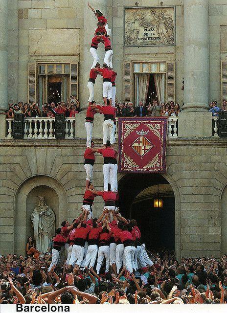 Castellers a la Plaça Sant Jaume, Barcelona
