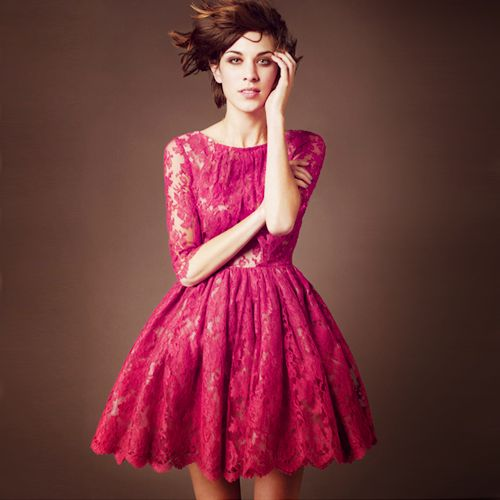 I love this dress!Fashion, Little Red, Style, Bridesmaid Dresses, Parties Dresses, The Dress, Red Lace Dresses, Alexachung, Alexa Chung