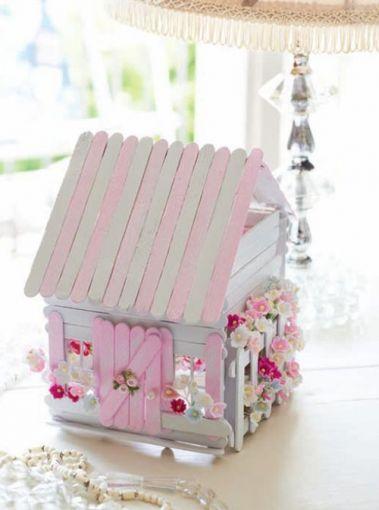 Una adorable casita estilo shabby chic.