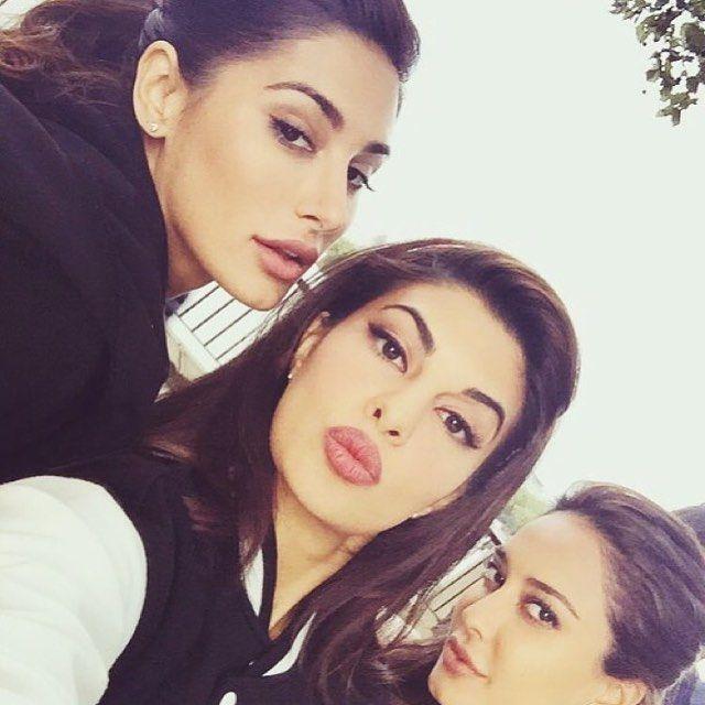 #Housefull3 #TheGirlGang #NargisFakhri #JacquelineFernandes #LisaHaydon #MovieShoot