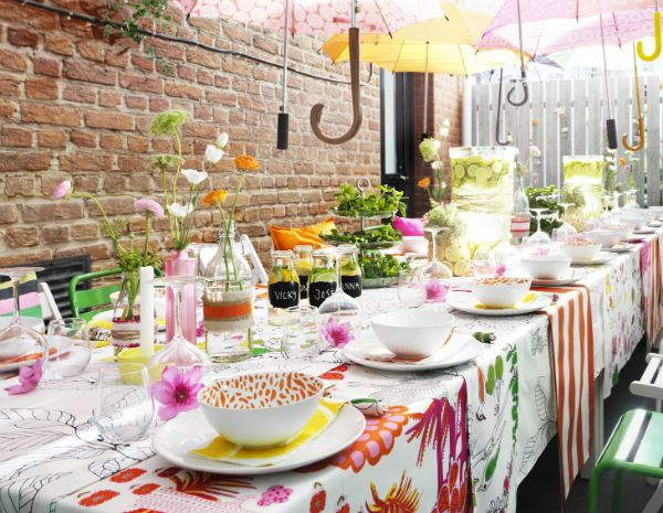Throw a Spring Fling party! Whether it's a bridal shower or a Mother's Day brunch, celebrate n a style that's fit for the season.