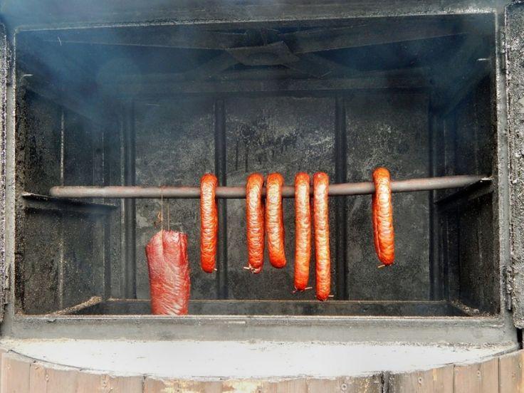 Otthoni füstölés: sonka, kolbász, hurka, hal   Hobbikert.hu