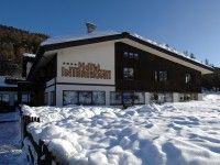 #SKIURLAUB #LIVIGNO Hotel Intermonti in Livigno günstig buchen / Italien Das gut geführte 4-Sterne-Hotel Intermonti befindet sich in schöner, ruhiger Lage und ist nur ca. 200 m vom Doppel-Sessellift Teola entfernt. Die Skibushaltestelle befindet sich direkt vor dem Haus und zum Ortszentrum sind es nur ca. 1,5 km. www.winterreisen.de