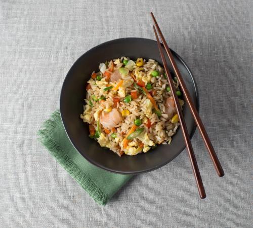 Riz frit aux œufs et aux crevettes