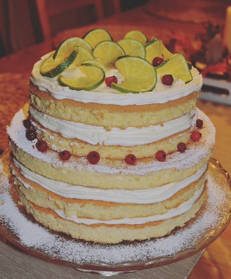 Lime and mascarpone cake