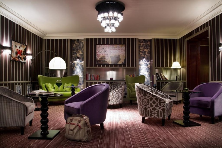 What a great combination of colours, textures and design... a perfect place to relax after a day of sightseeing in Paris! The **** La Mathurin