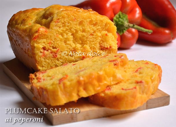 Plumcake salato ai peperoni, ricetta sfiziosa