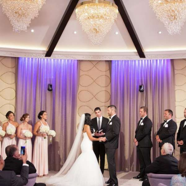 17 Best Ideas About Vegas Wedding Venue On Pinterest