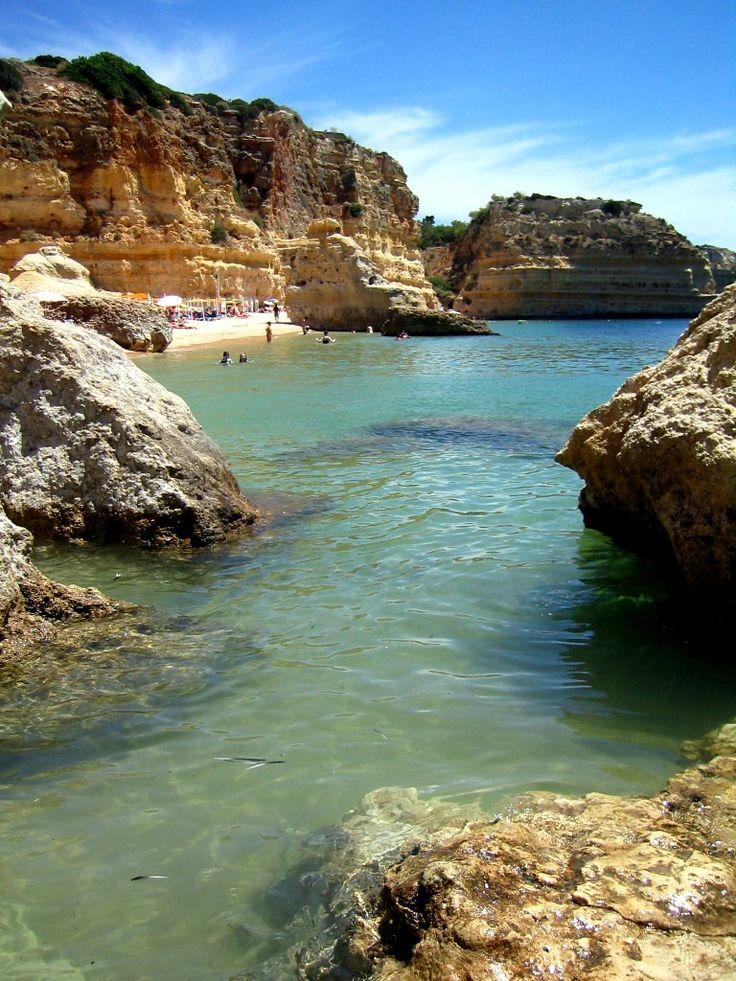 Helena Lagartinho  Algarve, Portugal     http://portugalmelhordestino.pt/fotos_concurso/abf9ddf6ef1ad0cf668f670f700d5310.jpg