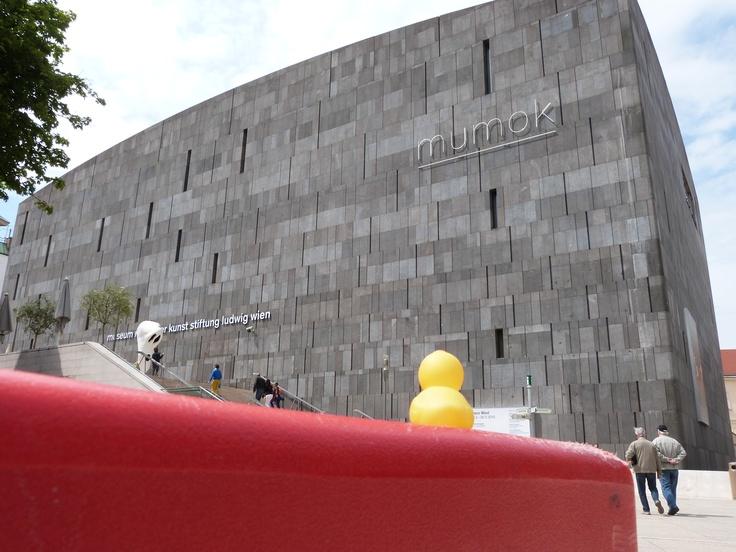 Da war ich im Museumsquartier. Voller Basalt.