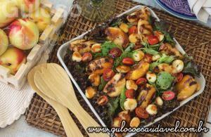 Salada de Pêssegos com Redução de Balsâmico