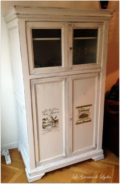 armoire vitrine en merisier patine shabby et ajout d. Black Bedroom Furniture Sets. Home Design Ideas