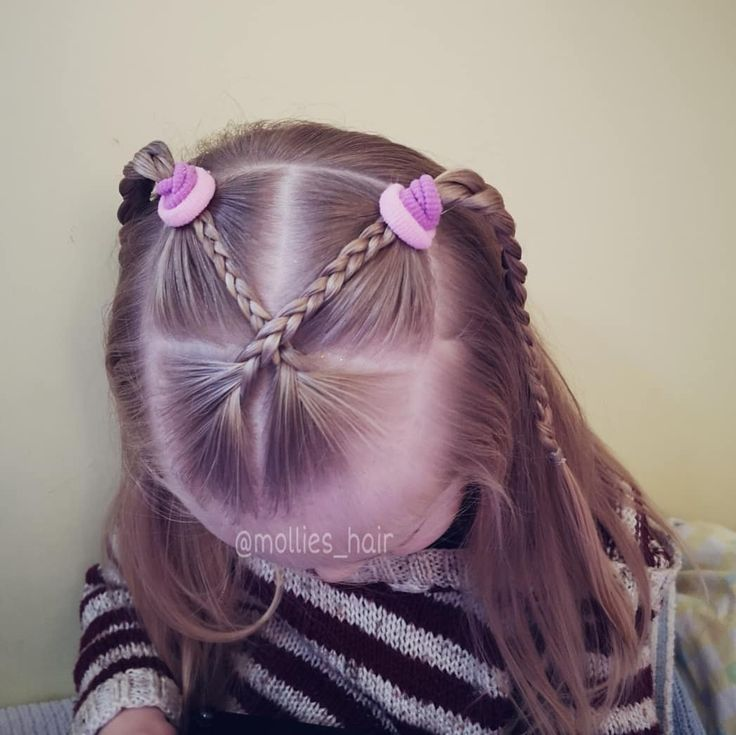 """Hairstyles for little girls 💖 on Instagram: """"Not feeling too great today so needed a super quick style that still looked cute 👍 * Hairstyle inspired by @cutebabyhair 💕 * Mollie and the…"""""""