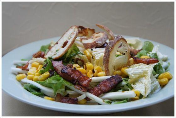 白菜使い切りレシピ。サラダのポイントはクルトン!