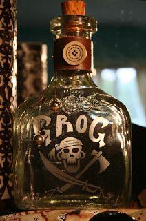 """Piratas!: La historia del """"grog"""". 1740 Vernon (Old Grog) emitió una orden por la cual el ron (o """"rum"""") debía ser rebajado con agua bajo la vigilancia de un oficial. Surge la bebida caliente Grog."""