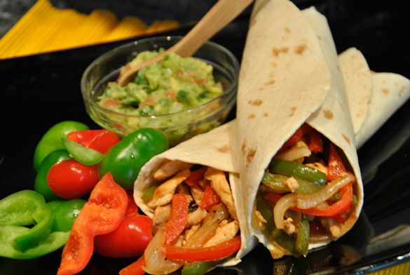 Fajitas mexicanas originales de pollo y receta de guacamole --> Original Mexican chicken fajitas and guacamole recipe