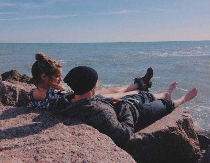 Εσύ, εγώ κι η θάλασσα...