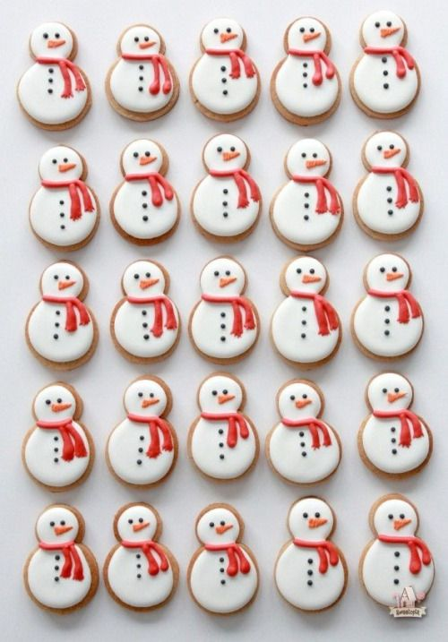 little snowmen cookies - pinterest  → @nicolepowlina
