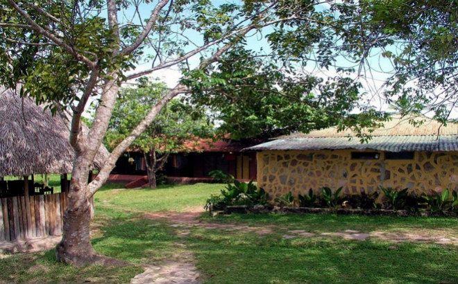 Campamento Churum - Meru (2 Noches - 3 Días).  * A pocos minutos del aeropuerto y de la Laguna de Canaima, contamos con una pequeña posada, con áreas verdes, ven y relájate en el Campamento Churúm; de Bolivar Venezuela.   Incluye  * Boleto aéreo Puerto Ordaz - Canaima - Puerto Ordaz  * Asistencia en Canaima  * Traslado al Campamento  * Alojamiento en habitación con baño privado y ventilador  * Comidas  * Excursión a Sapo, Laguna y Pernocta al Salto Ángel   Itinerario  * Día 1. Salida en el…