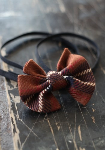SCOTTISH WIDOW  #fashion #photography #sewing #look #accessories #ribbon #bow tie