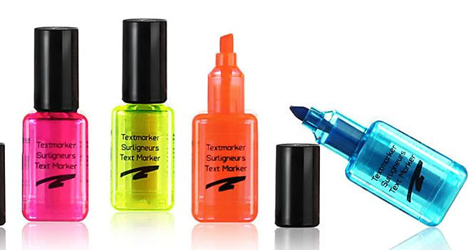 Manicure-shaped highlighter