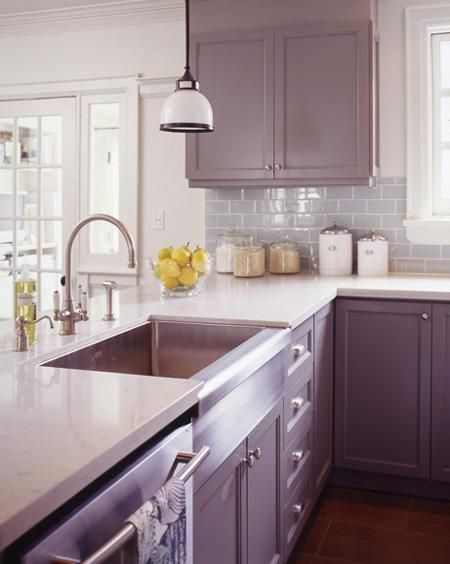 Note the backsplash -  it has the same undertone (blue)  as the cabinetry?