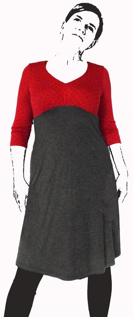 Kleid Boo ist ein wunderschönes Kleid - sehr feminin! Größe 36-48 Durch den Empire-Stil, die nach oben verlegte Naht, wird eure Figur optisch getreckt! Der Busen wird betont und Hüfte und Bauch wird vorteilhalft umspielt! Ein schönes Wohlfühlkleid für alle Lebenslagen! Es gibt zwei Varianten im Schnitt: Model A: mit Fältchen unter der Brust - eine schöne, zarte Betonung! Model B: mit Wasserfall - eine schicke, angesagte Schnittform - auch vorteilhaft für eine große Oberweite! Ihr könnt euch…