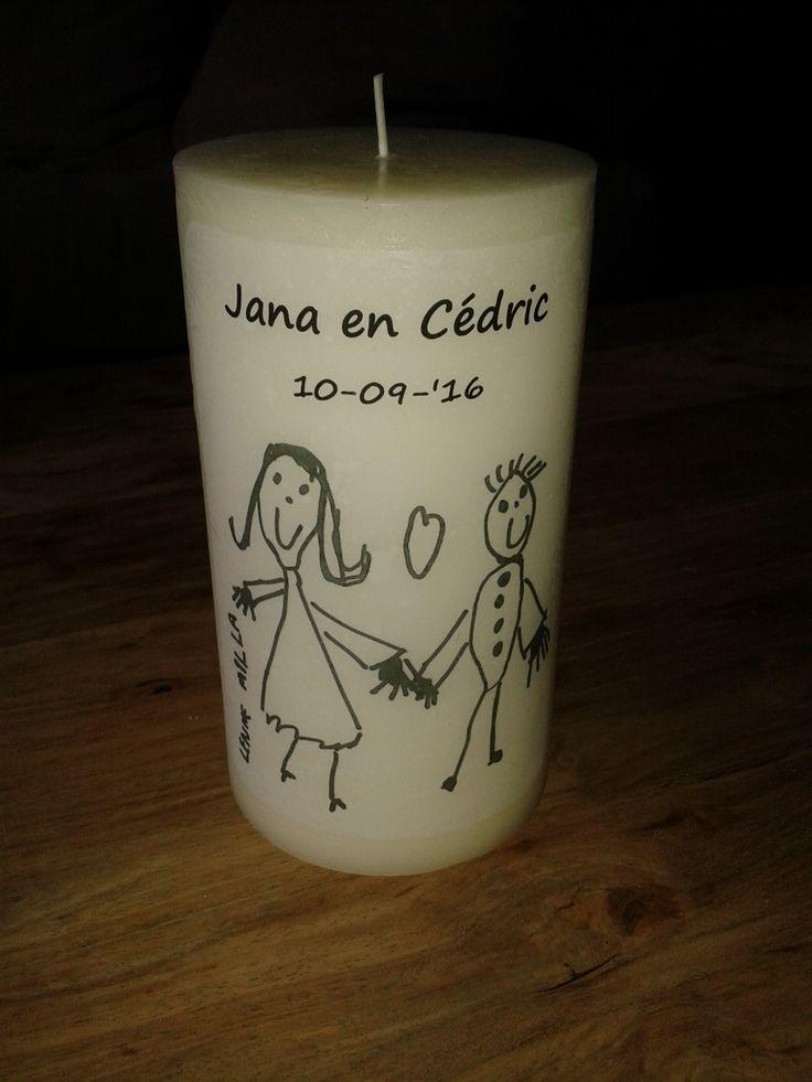 **Huwelijk Jana & Cé** # Trouwkaars  # Tekening gemaakt door bruidskindjes  # Zelfgemaakt met bakpapier en haardroger
