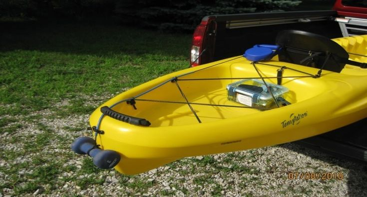 Diy kayak fishing anchor using retractable dog leash in