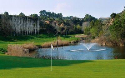 OFFRE Golf de Barcelone et Platja d'Aro Séjour au Domaine de Barcelona**** sup - Golf Catalogne Ce forfait comprend 2 nuits avec hébergement avec petits déjeuners, un green fee au Golf Club de Barcelone et un green fee à Platja d'Aro Golf Club. Pour en savoir plus : http://www.golfy.fr/fr/sejours-voyages-golf/coup-de-coeur-golfy/2317-sejour-golf-espagne-barcelone-platja-aro-cdc #Golf