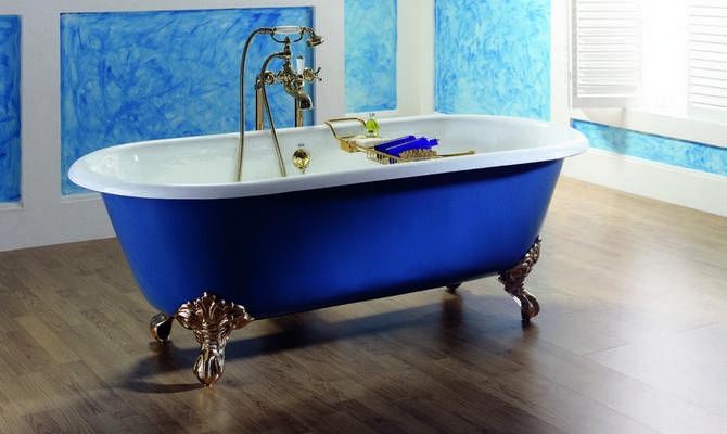 Большая ванна из чугуна