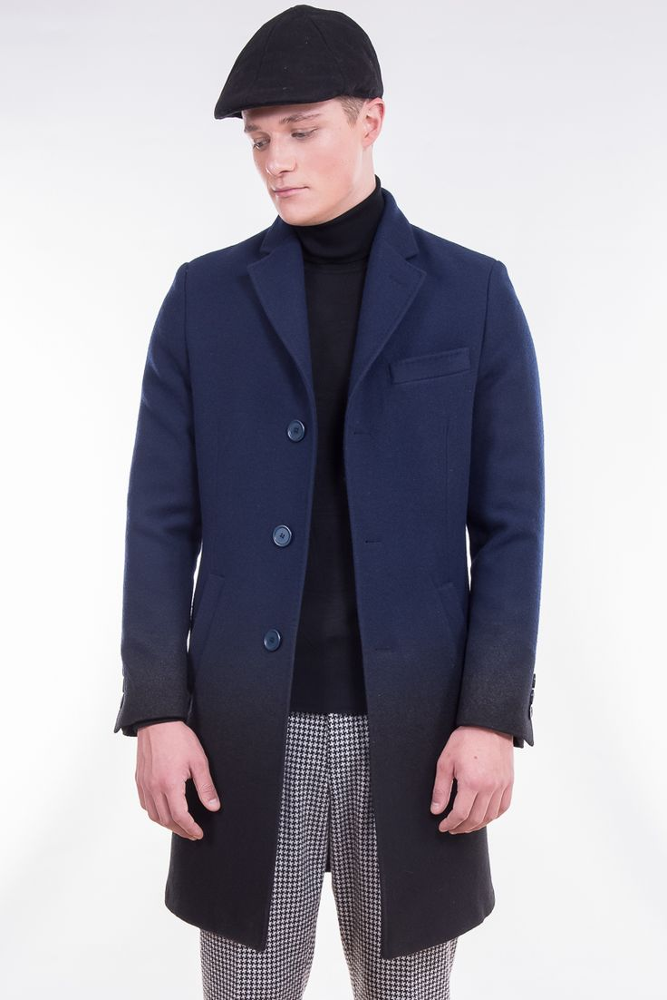 Classic coat in gradient blue