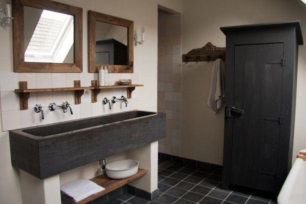 25 beste idee n over landelijke stijl badkamers op pinterest landelijke stijl meubelen - Badkamers bassin italiaanse design ...