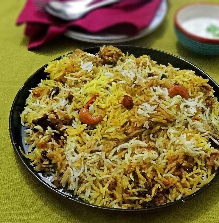 Hyderabadi Chicken biryani recipe - Step by step with pictures how to make delicious Hyderabadi - style chicken biryani.