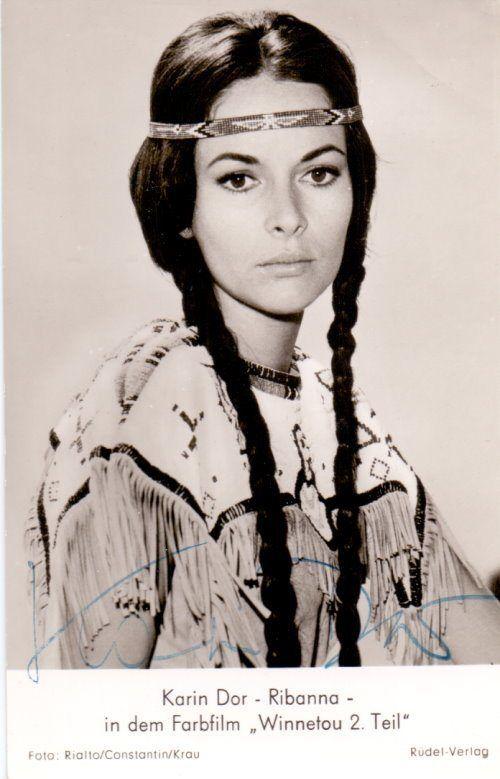 Karin Dor – Original signierte Autogrammkarte als Ribanna in WINNETOU 2. www.starcollector.de