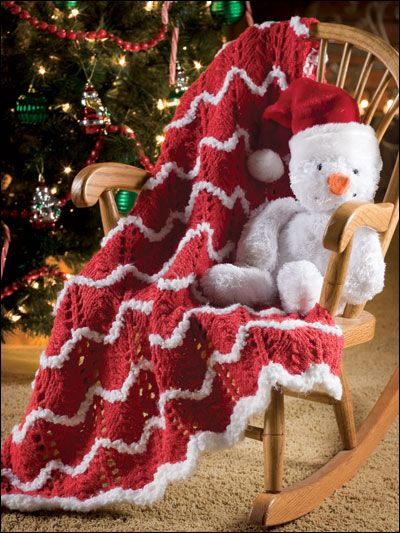 Christmas Afghan Knitting Patterns : Santas Baby Blanket Free Christmas Crochet/Knit Afghan, Pillow, Tree S...