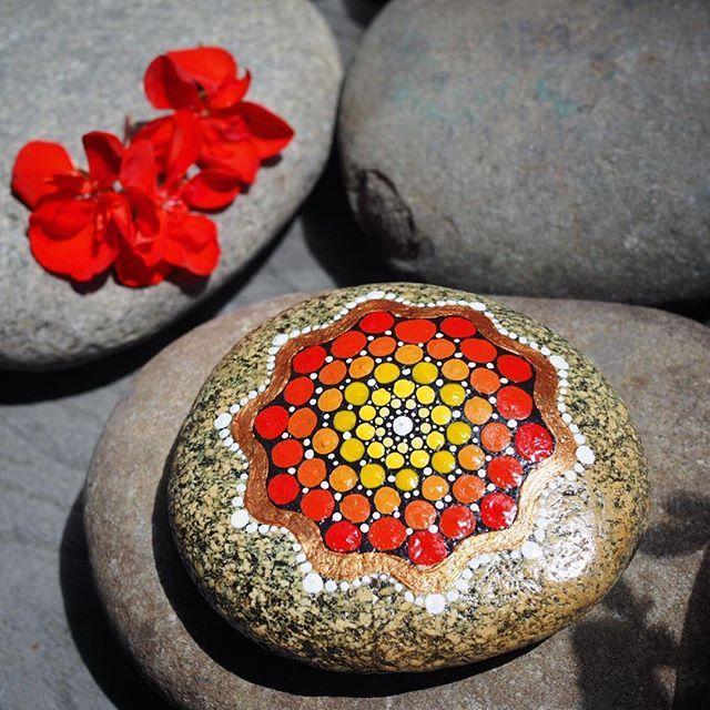Happy Saturday! Loving the sunshine in good ol' Bakersfield, CA today! Have a great weekend friends! ❤️☀️🎨 #happysaturday #theweekend #sunshine #california #californialove #sunnyday #paintedstone #sunstone #sunmandala #caliroots #stoneart #rockart #artbyevamarie #sun #mandala #stone #riverstone #art #redrock #redpaint #acrylicpaint