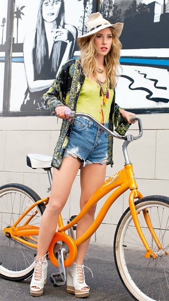 This is what I would dress like if Cameron didn't rein me in a little haha  Also I LOVE this bike