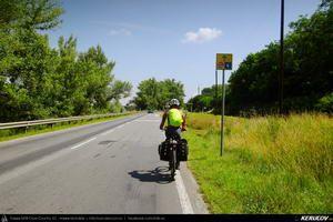 Traseu cu bicicleta MTB XC Komarom - Dunaalmas - Sutto - Esztergom : EuroVelo 6 - 4 . MTB Ride EuroVelo 6 - 4: Komarom - Dunaalmas - Sutto - Esztergom - Komarom - Esztergom, Ungaria