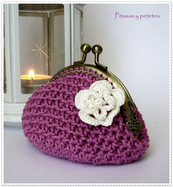 Dark pink crochet coin purse por PitusasyPetetes en Etsy, €16,50
