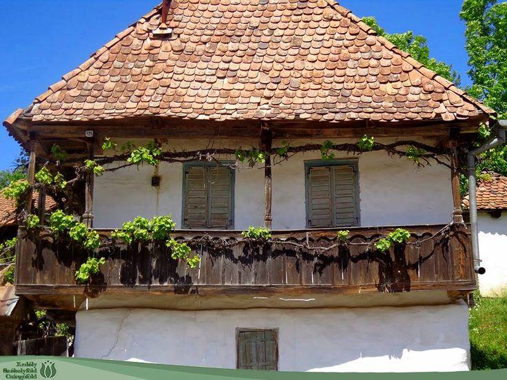 Régi ház Siklódon -  Fotó: Czégé Zoltán (forrás: Erdély, Székelyföld, Csángóföld facebook)