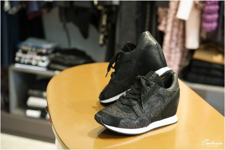 Το #Omberon προτείνει τα 5+1 must γυναικεία #παπούτσια της σεζόν!  Photo © Vicky Lafazani