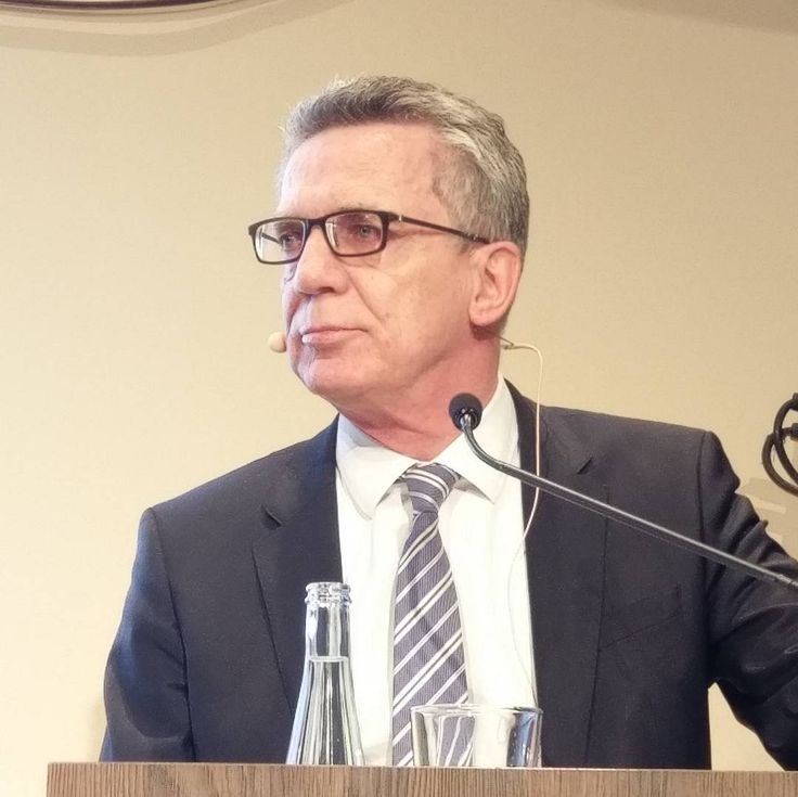 Data Debates vom Tagesspiegel mit Innenminister Thomas de Maizière...#datadebates #tagesspiegel #telefonicabasecamp #handyshot #talk #speech #government #bundesminister #datendebatte