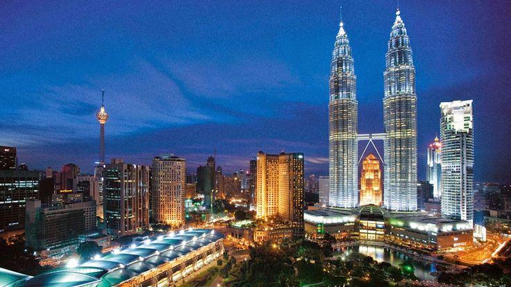 Petronas Towers - MW (My World)