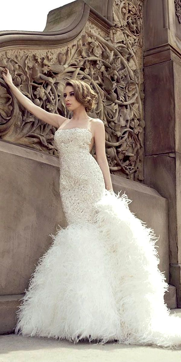 18 Beautiful Feather Wedding Dresses -Trend For 2016 ❤  It is fashionable to add feather elements into wedding gowns or bridesmaids dresses. See more: http://www.weddingforward.com/feather-wedding-dresses/ #wedding #dresses