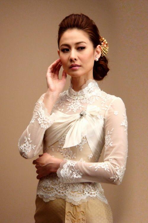 Thai contemporary wedding dress