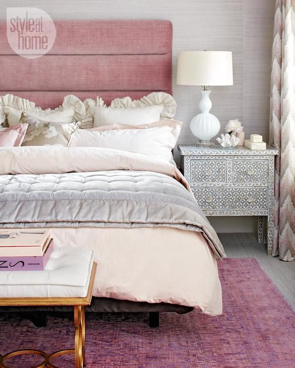 Pink velvet headboard contemporary bedroom style at - Chambre rose poudre ...