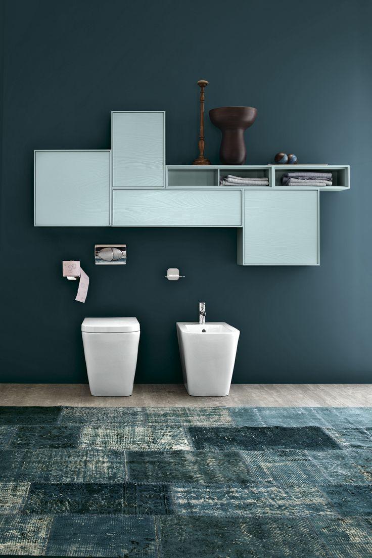 Bagno Free con finitura pino naturale + pino laccato opaco azzurro alice http://www.cerasa.it/it_IT/bagni/design/free/arredobagno-bagni_classici-free-56-57