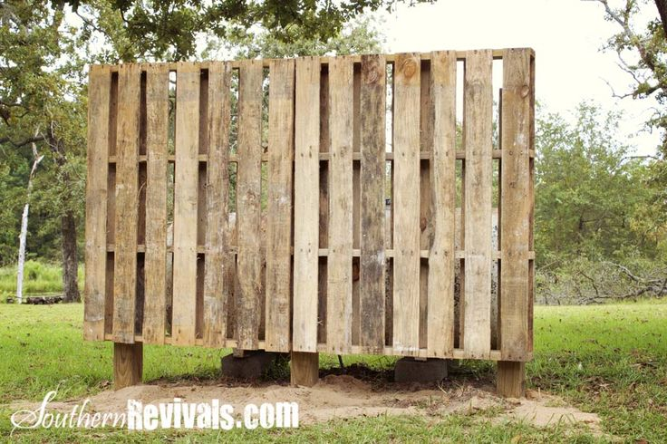 Southern Revivals: Weekend Project ~ A Pallet Garden Wall - Phase I