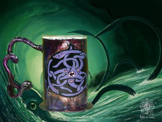Chope avec gravure en forme de Calmar Géant, poignée sculptée en forme de tentacule